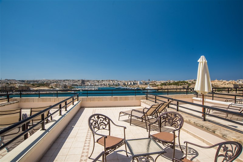 Excelior Malta Room Terrace