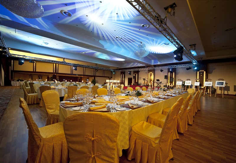 Excelsior Hotel Venues - Grand Ballroom Dinner Award Night set-up