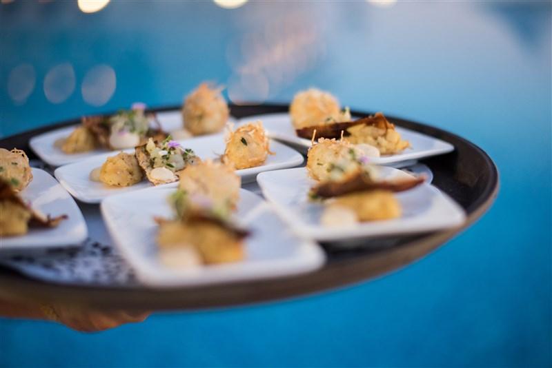 Excelsior Malta - Food - Tiki seaside dining