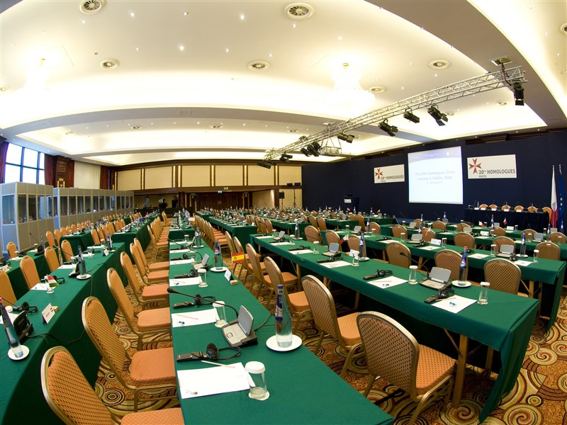 Grand Excelsior Hotel Meetings - ballroom set up