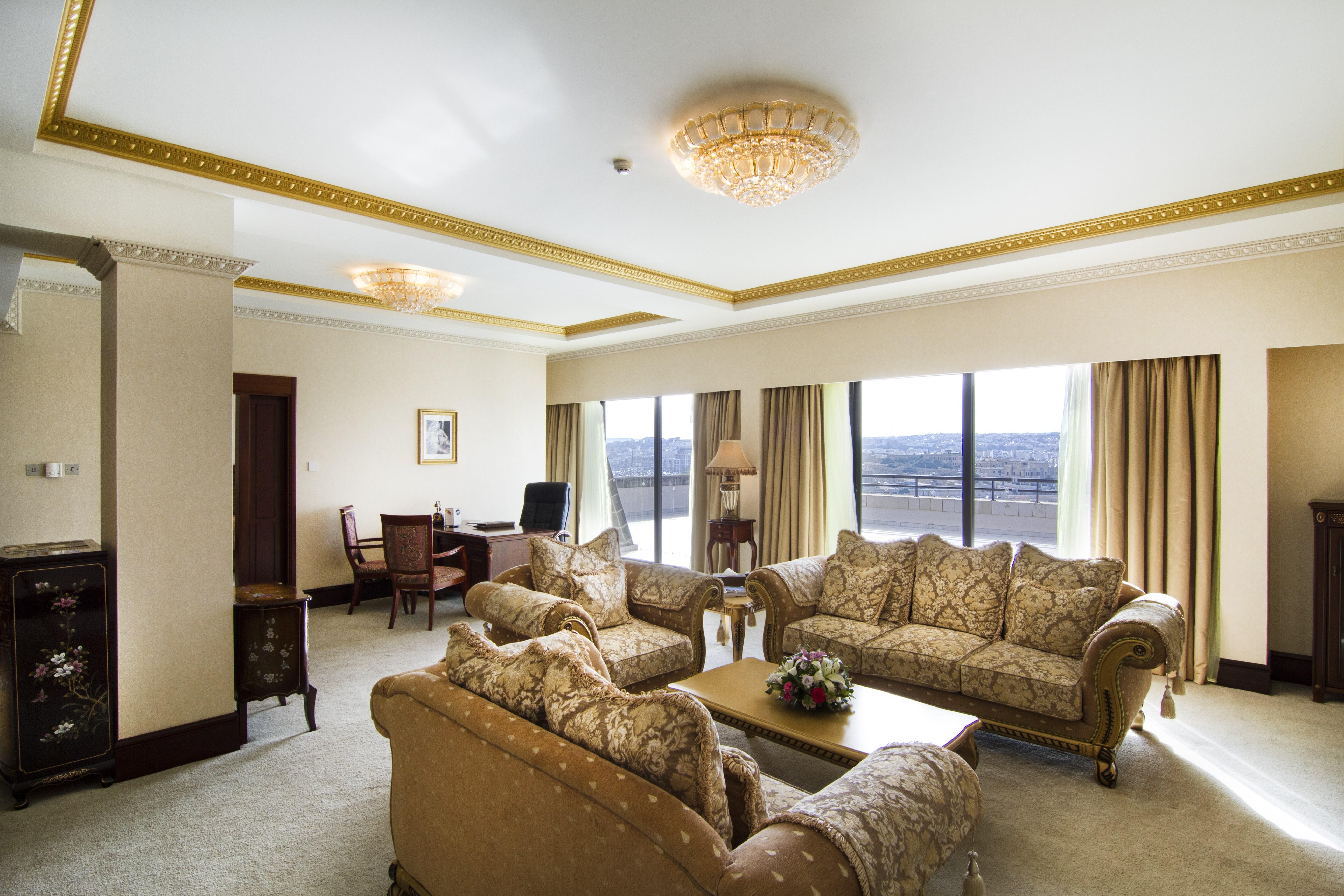 presidential-suite-living-room_0