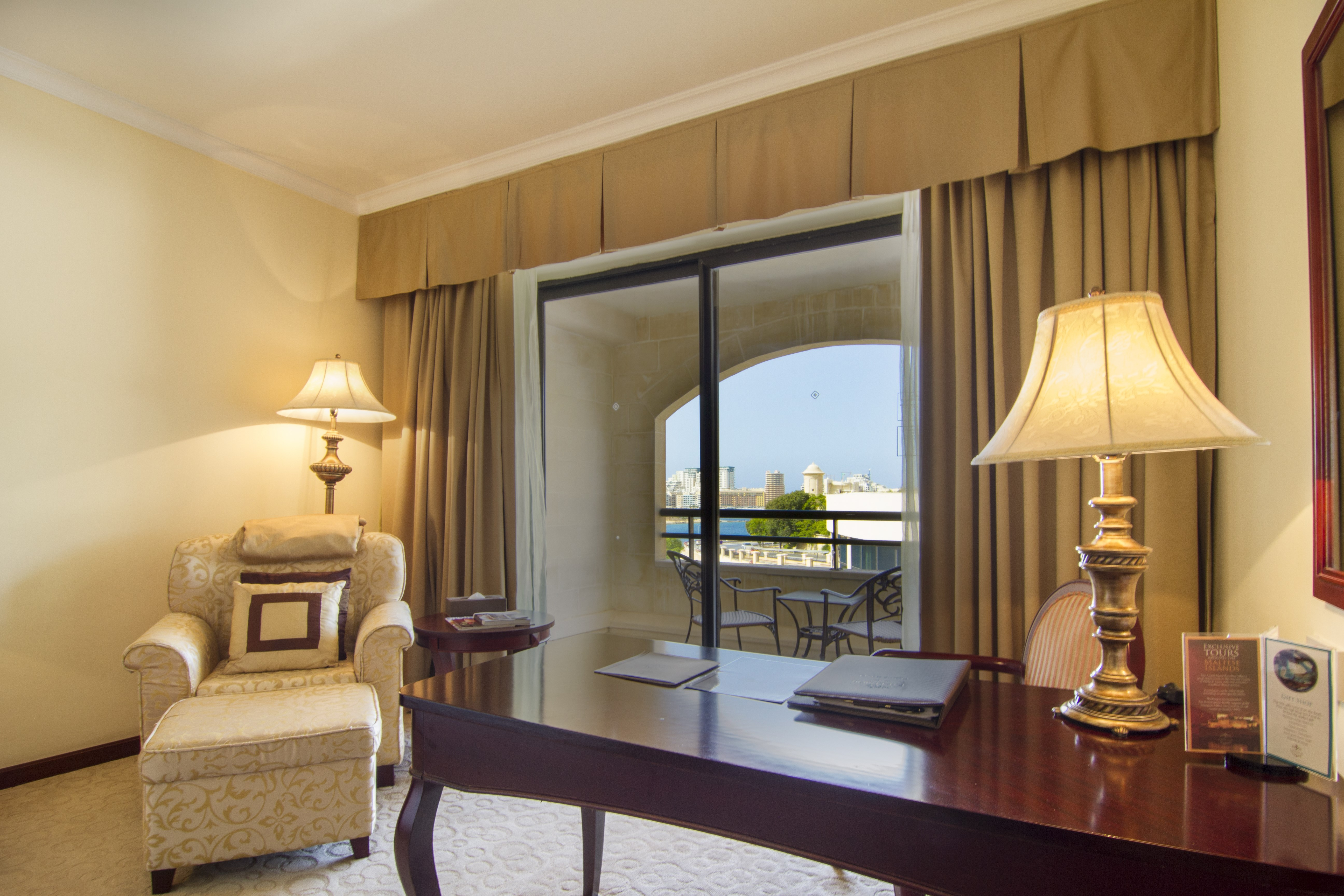Superior-partial-sea-view-room-sitting-area
