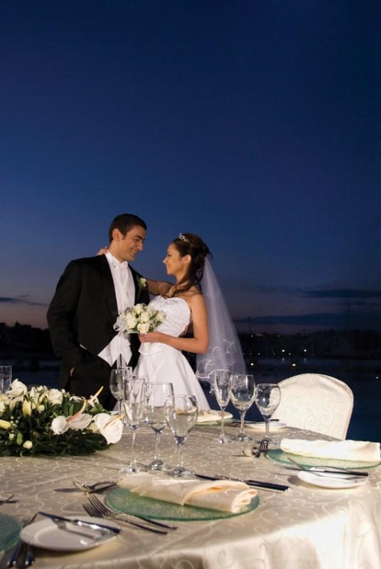 outdoor-sit-down-wedding