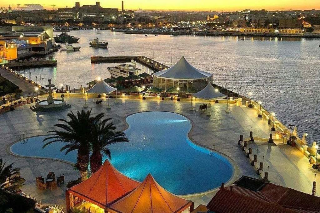 Excelsior Hotel Malta Pool deck