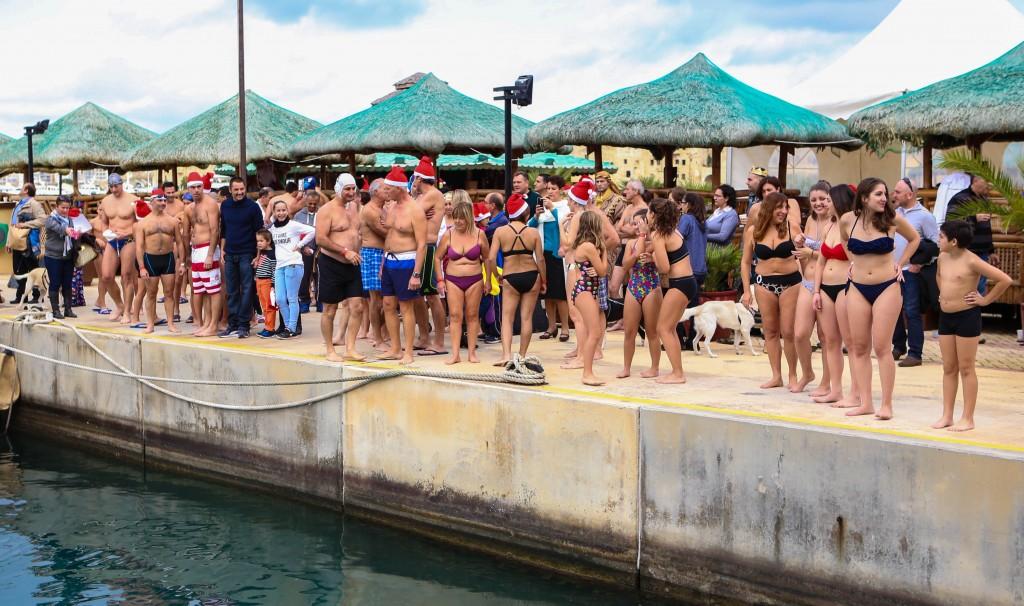 santa-swim-photos